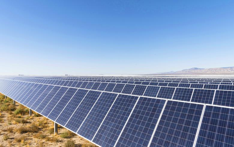 Capital Dynamic, 8minute power up 121-MW solar park in California