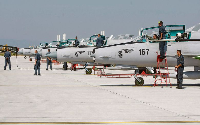 Croatia gets 13 offers for supply of fighter jets