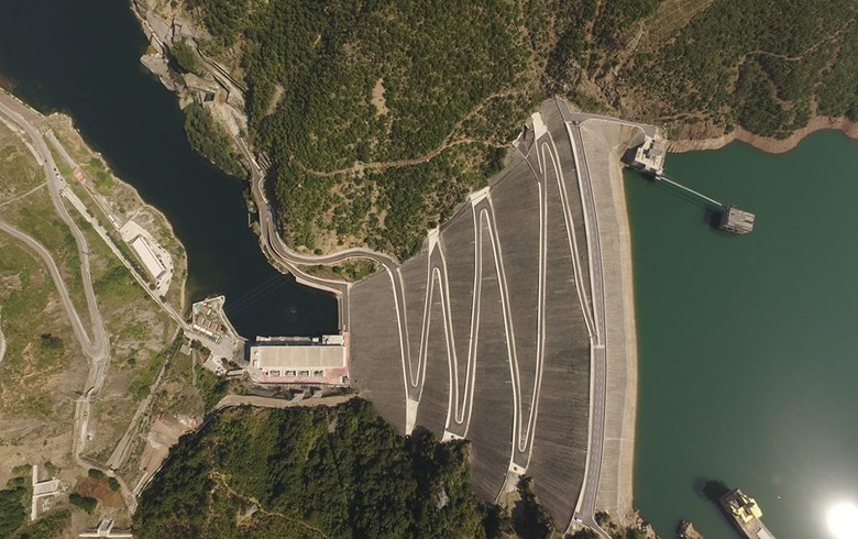 Albanian parl approves 12 mln euro World Bank loan for dam safety project