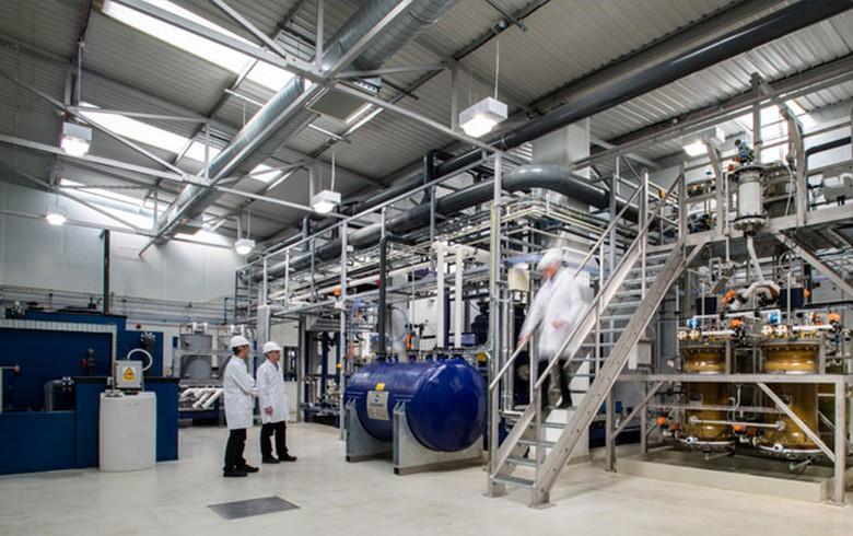Wacker Chemie buys into UK battery materials maker Nexeon