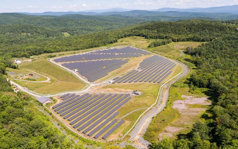 US adds 2.03 GW solar in Q3, GTM trims 2017 forecast