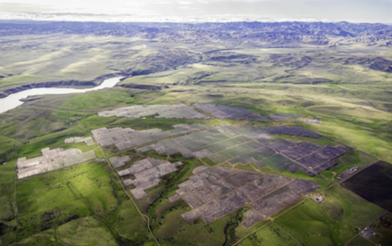 Peninsula Clean Energy says 200-MW Californian solar farm starts operation