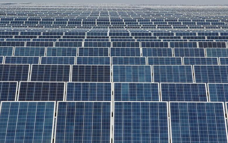 India plans wind, solar auctions for 20 GW through March