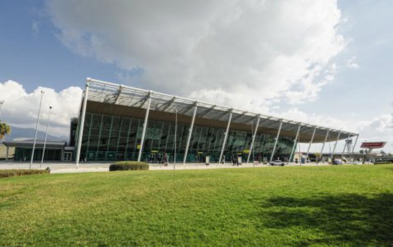 UPDATE 1 - Albania's Kastrati Group acquires Tirana airport operator