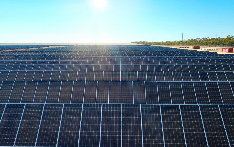 Ribbon cut on Australia's largest solar-plus-storage complex