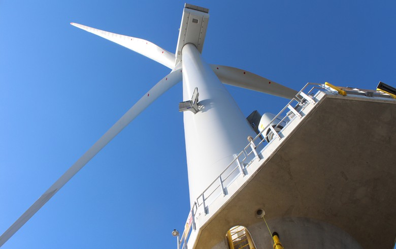 UK offshore wind costs drop below GBP 100/MWh target