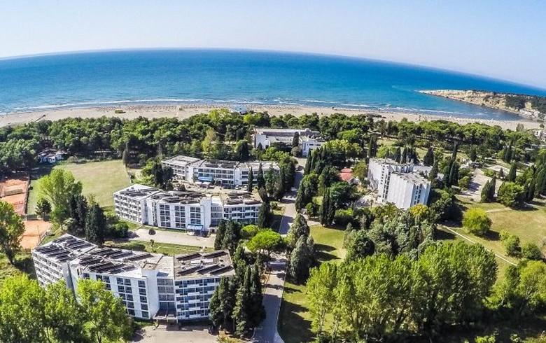 Montenegro's Ulcinjska Rivijera loss narrows in H1 - table