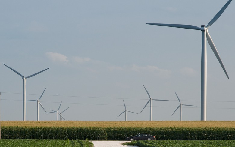 Indiana's NIPSCO awaits bids in 2.6-GW wind, solar RfP