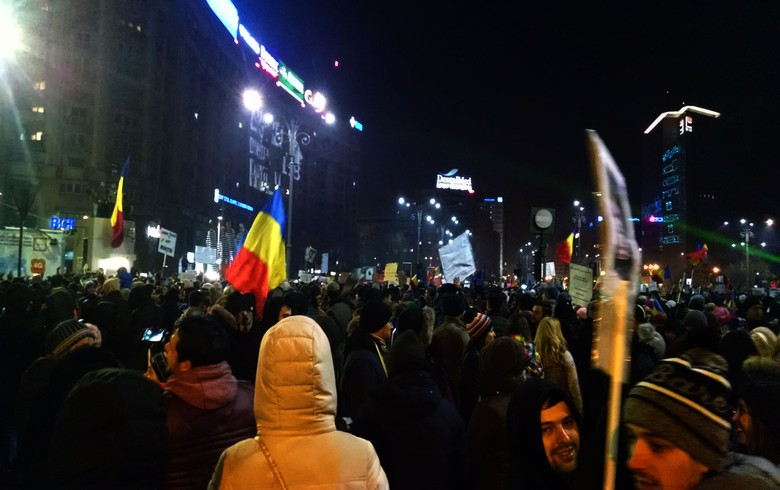 Half million Romanians urge government to resign