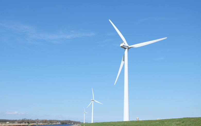 Vestas erects 1st V150-4.2 MW turbine in Brazil for 101-MW wind park