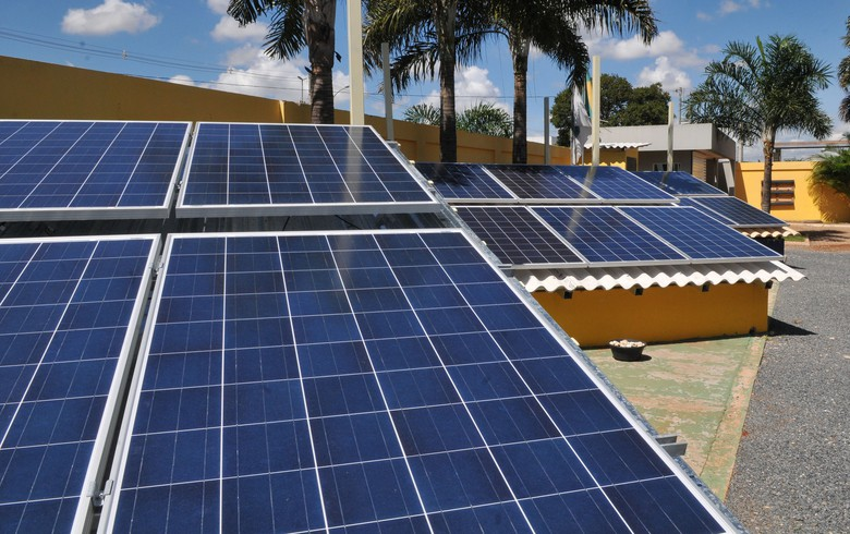 Bolsonaro opposes solar power generation tax