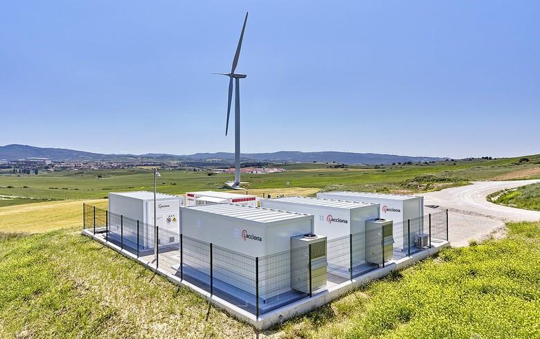 Acciona opens wind-plus-batteries plant in Spain