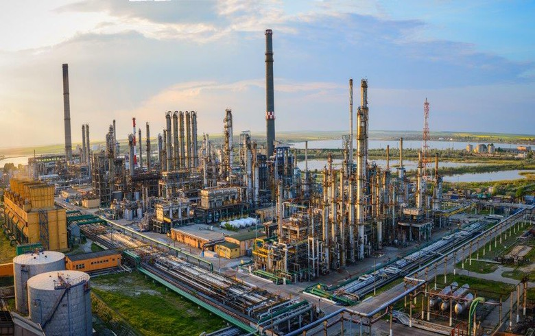 Romania's Petromidia, Vega refineries to undergo maintenance works