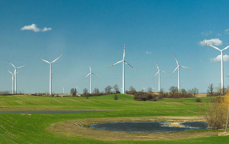 Lithuania's Ignitis seeks EIB loan for 94-MW wind project in Poland