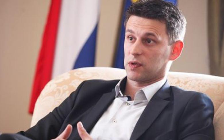 Croatia's MOST demands PM, fin min resign over Agrokor - report