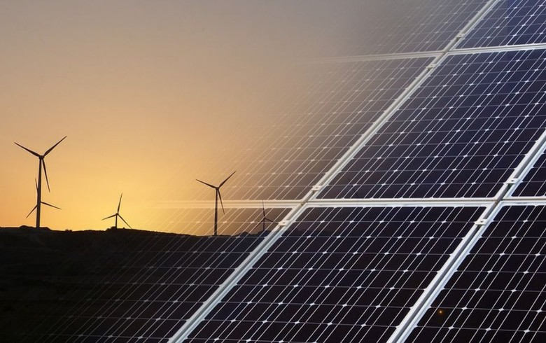 "World to reach ""age of renewables"" by 2035 - Wood Mackenzie"
