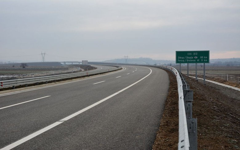 Kosovo opens for traffic motorway link to border with N. Macedonia