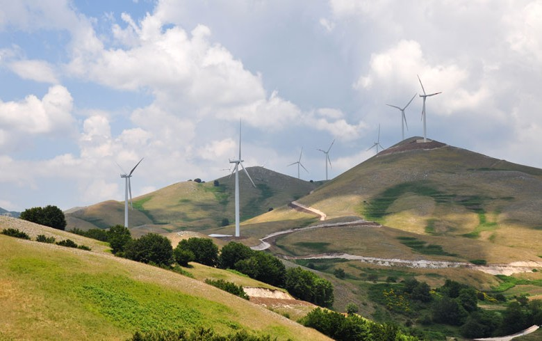 Macquarie fund seeks buyers for wind farms manager Renvico - report