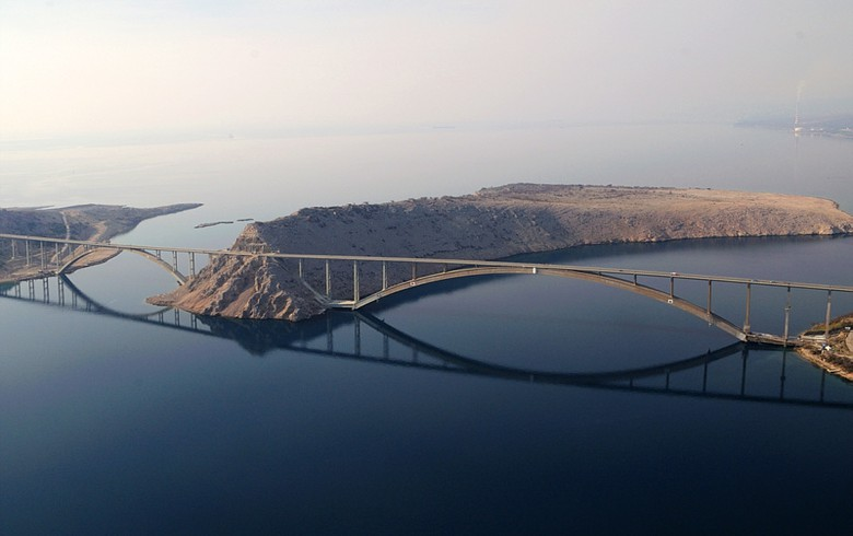 Croatia's govt decides to merge motorway operators HAC, ARZ