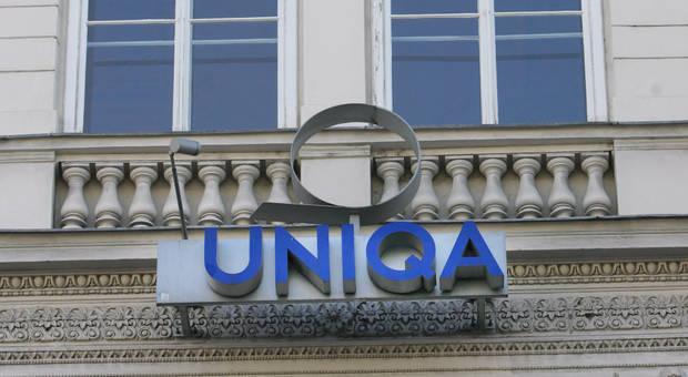 UNIQA Romania halves H1 pre-tax loss
