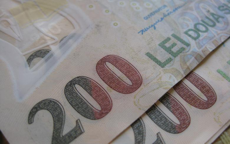 Romanian leu gains ground as new government takes office