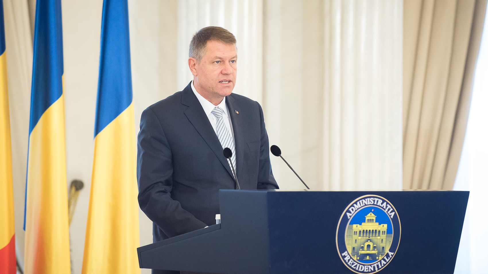 Romanian president appoints new ministers of development, transport, EU funds