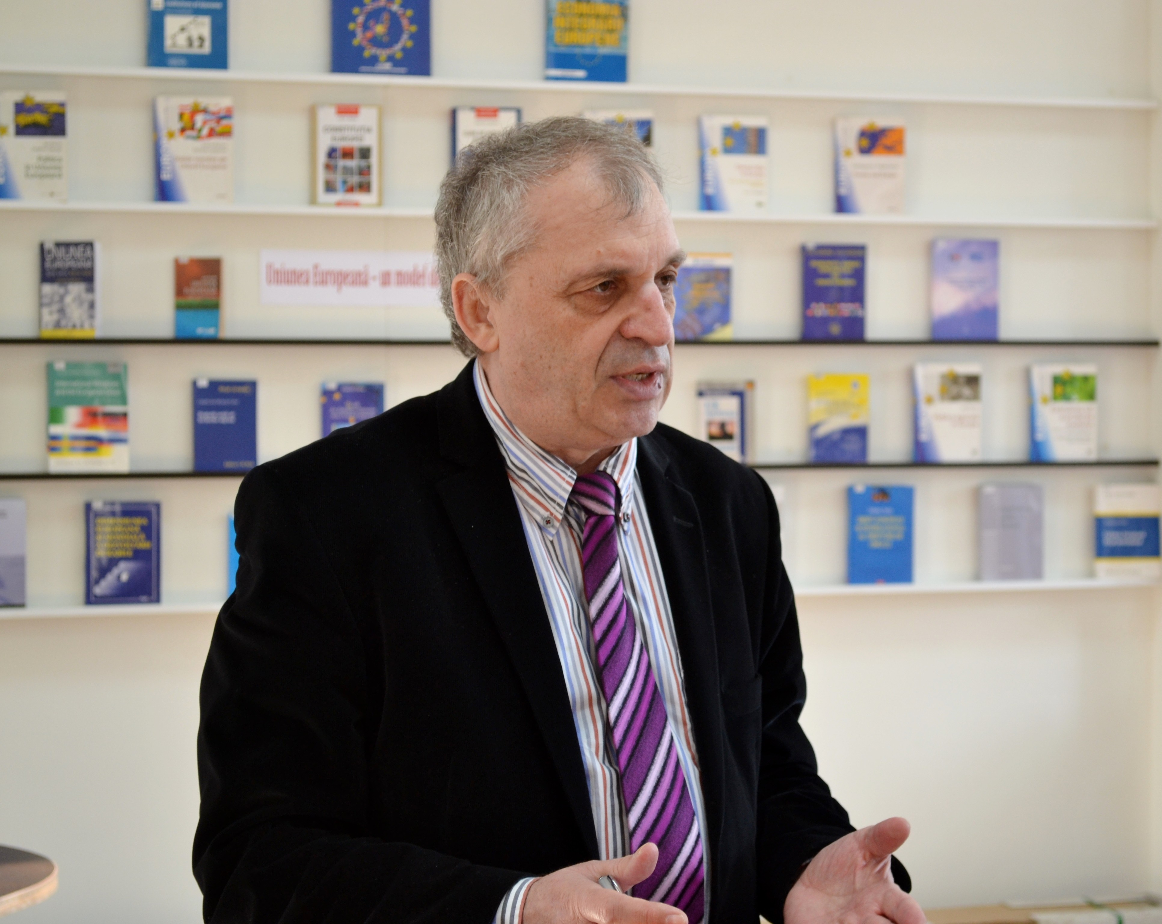 INTERVIEW - Moldova pro-Russian presidential candidate can benefit from dispersed pro-EU vote