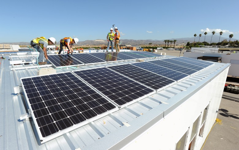 United States solar industry loses 10000 jobs