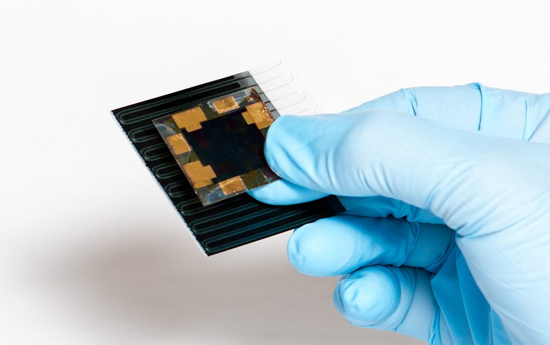 Hanergy MiaSole, Solliance set 23% efficiency record for flexible solar cell