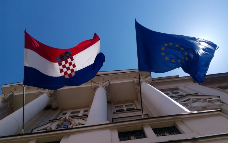 Croatia's governing HDZ party maintains lead in polls ahead of EP vote