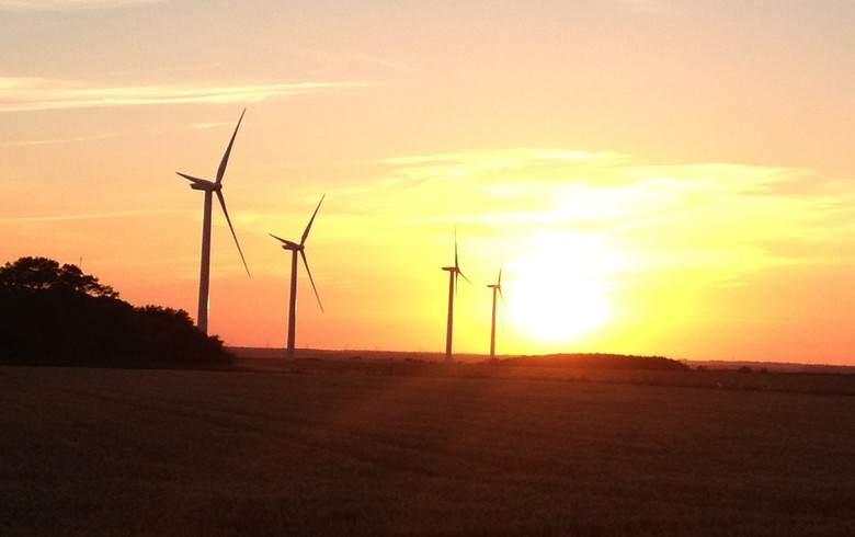 UK hits new wind record and 44% share on Sunday