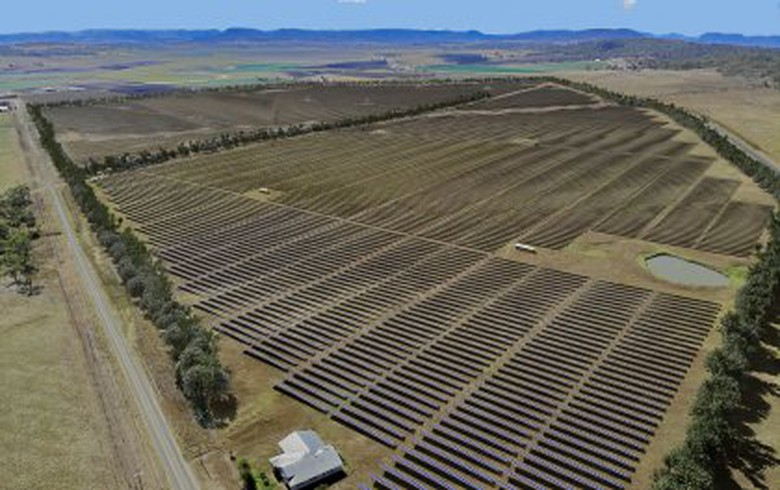 University of Queensland starts building 64-MW solar park