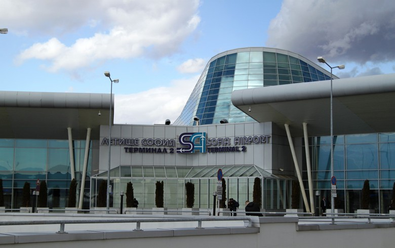 UPDATE 1 - Bulgaria picks Meridiam-Munich Airport tie-up as Sofia Airport concessionaire - report