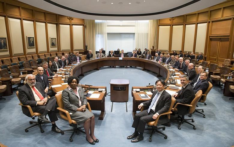 国际货币基金组织委员会为塞尔维亚批准30个月的PCI