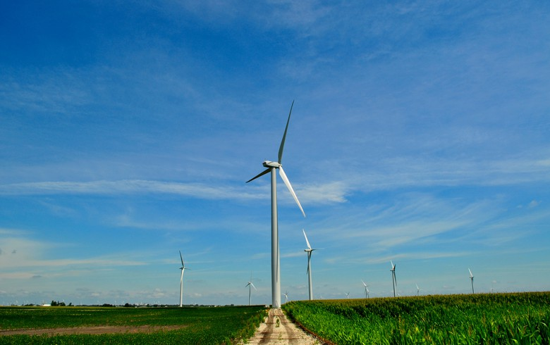 Capital Power advances 150-MW wind project in Illinois with new deals