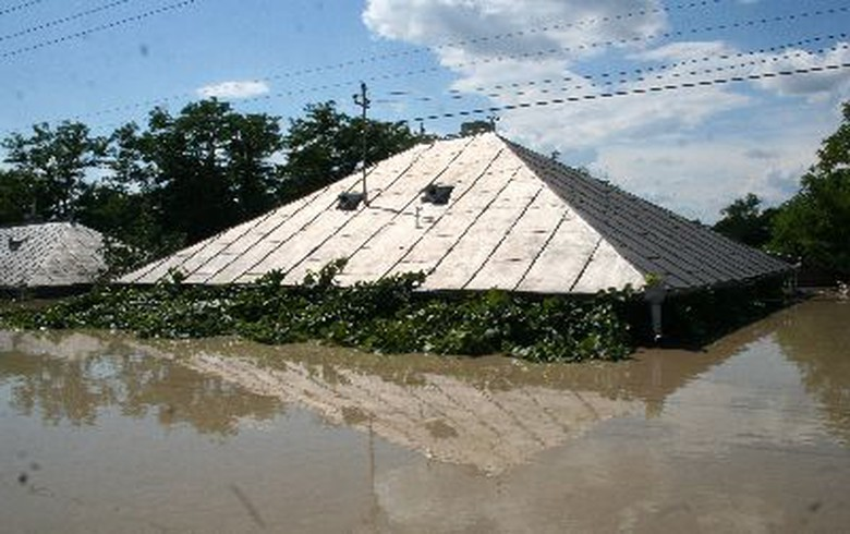 EU Commission to aid Romania with 8.2 mln euro to rehabilitate flood-hit areas
