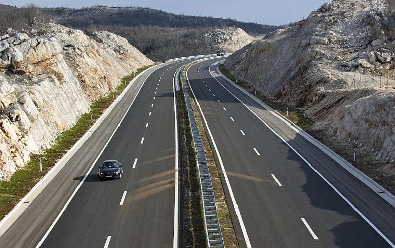 Croatia's HAC cancels 51.3 mln euro tender for Corridor Vc section - report
