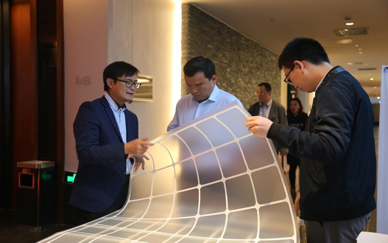 Jolywood debuts transparent mesh backsheet for bifacial solar modules