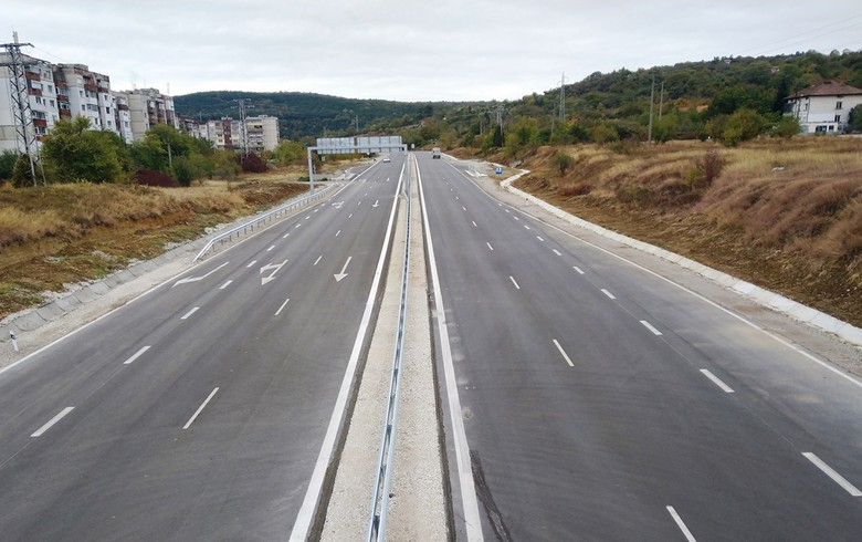 Bulgaria's AB lands 11.3 mln euro road maintenance deal