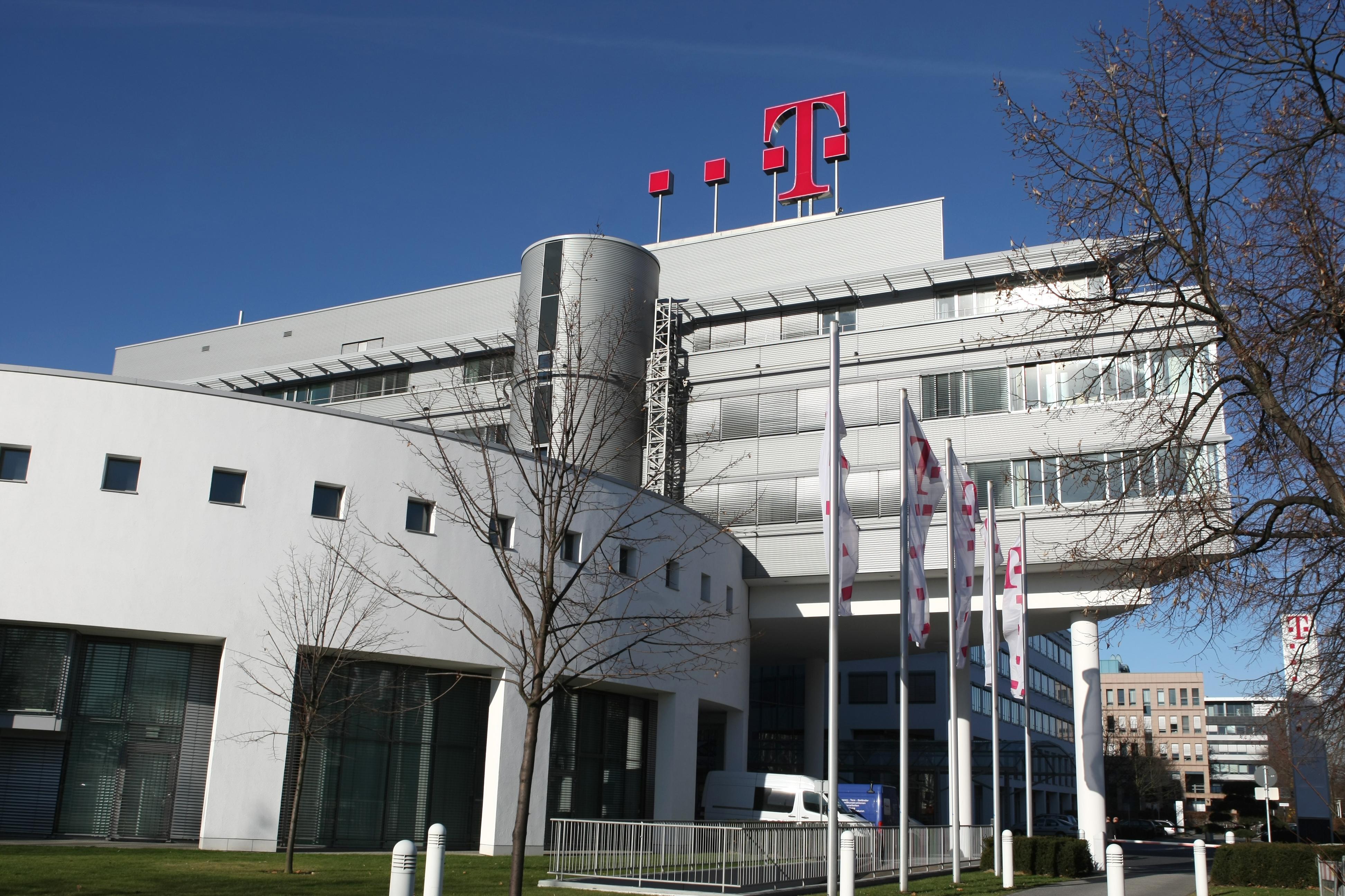 Telekom Romania Mobile's H1 pro forma EBITDA drops 26.4% y/y