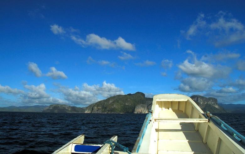 Resort in Philippines taps crowdfunding to go solar