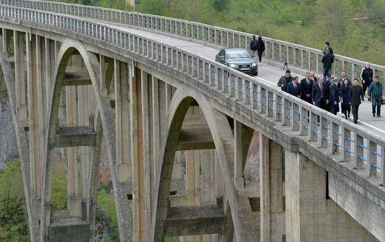 Montenegro, China sign agreement on bridge reconstruction project