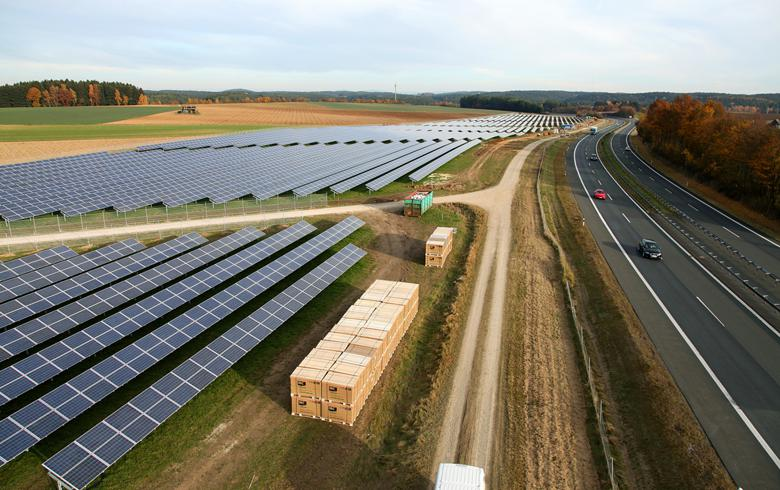 Rates fall to EUR 56.6/MWh in Germany's 200-MW solar tender