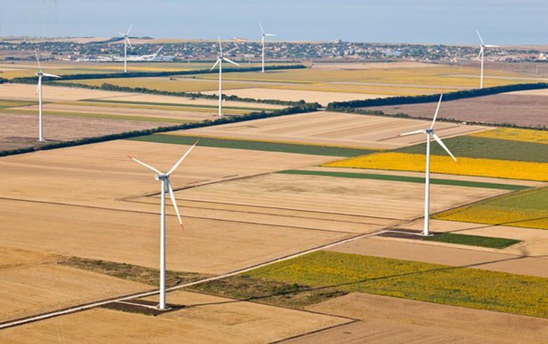 Bulgaria's St Nikola Wind Farm partially halts operations after breakdown