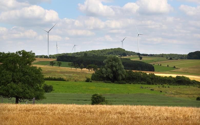 Steag selling minority stake in 94-MW French wind portfolio to Allianz