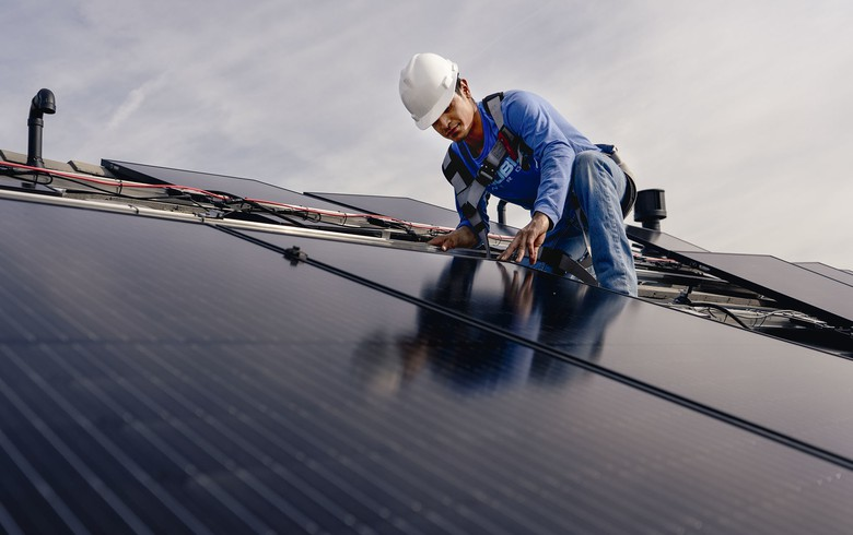 NY governor calls for expanding NY-Sun solar scheme to at least 10 GW