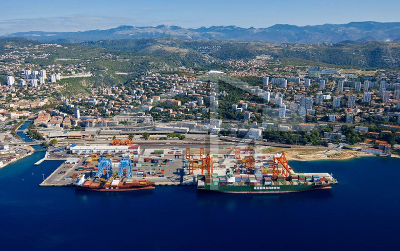 Croatia's Adriatic Gate Container Terminal turnover up 20% in 2019 - report