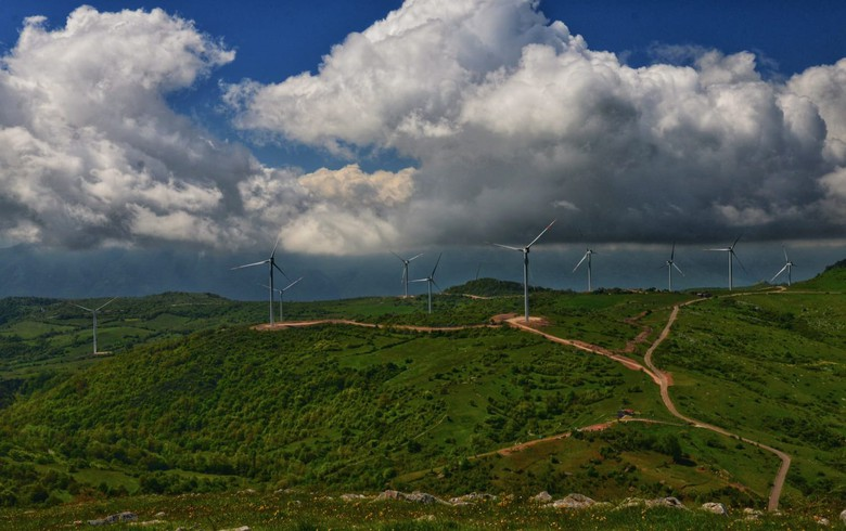 BayWa r.e. starts generating power at 48-MW wind park in Italy