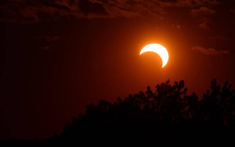 Chile prepares to lose 1.5 GW of solar power during today's eclipse