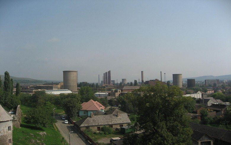 ArcelorMittal suspends production at Romania's Hunedoara steel mill